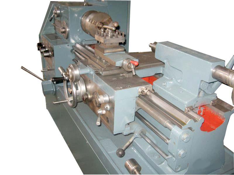 Общий вид универсального токарно-винторезного станка модели 1Е61ПМ, 1Е61ВМ