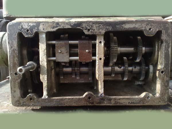 Коробка подач токарно-винторезного станка EMU-200