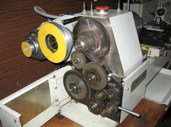 МК-3002 Фото шпиндельной бабки, привода главного движения и привода подач токарного станка МК-3002