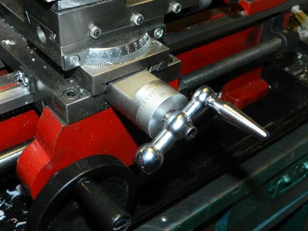 СТМН-550 Общий вид фартука токарного станка