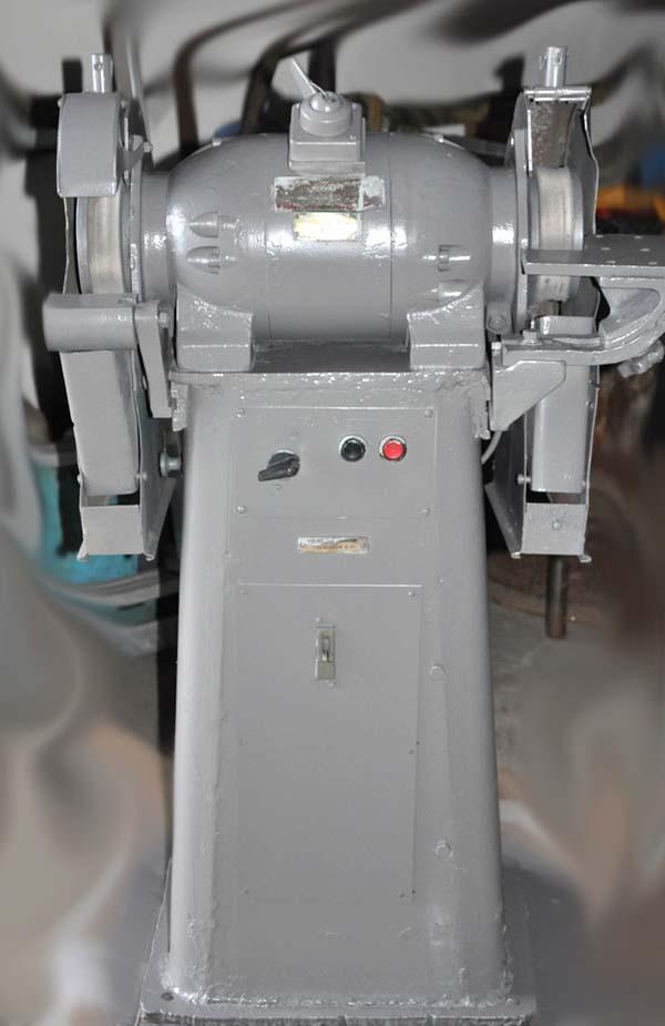 3Б633 Общий вид точильно-шлифовального станка