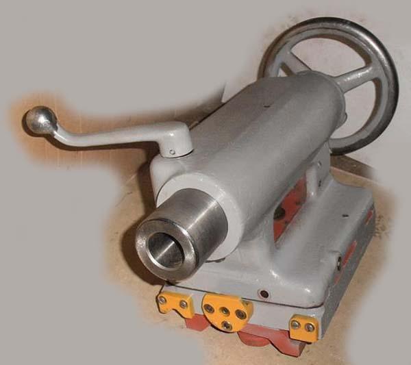 Задняя бабка токарно-винторезного станка